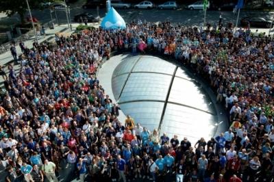 Big group photo of everyone at DrupalCon Munich