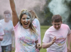 colour fun run woman